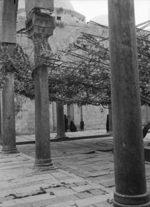 "<bdi class=""metadata-value"">Alep. Cour du madrasa al-Firdaws</bdi>"